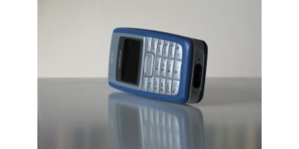 Forget Smartphones: This Basic Bar Phone is the Best-Selling Mobile of All Time